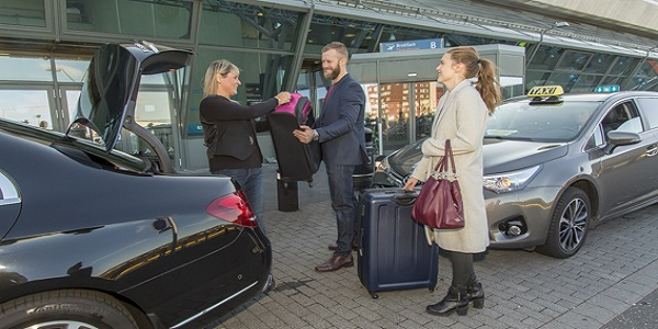 Take a comfortable taxi ride when going to keflavik airport